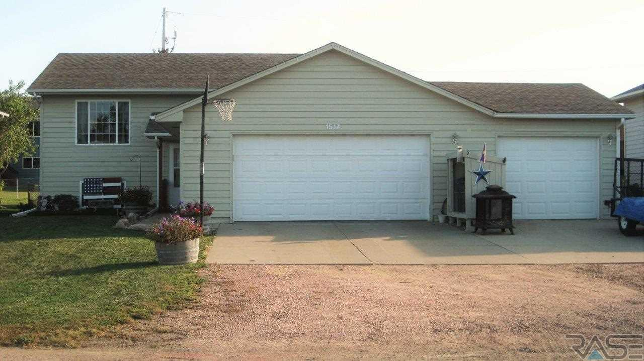 1517 E Beverly St, SIOUX FALLS