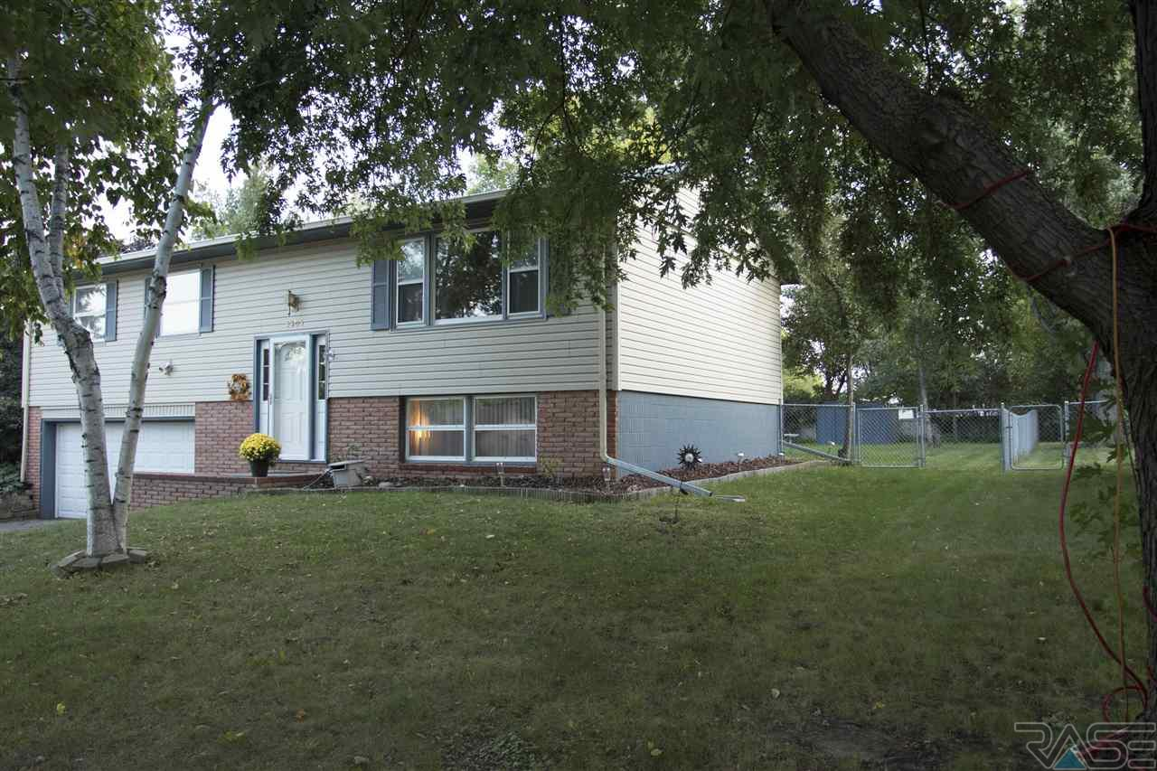 5305 W 52nd St, SIOUX FALLS