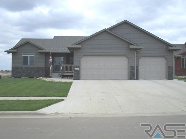 1200 S Thecla Ave, SIOUX FALLS
