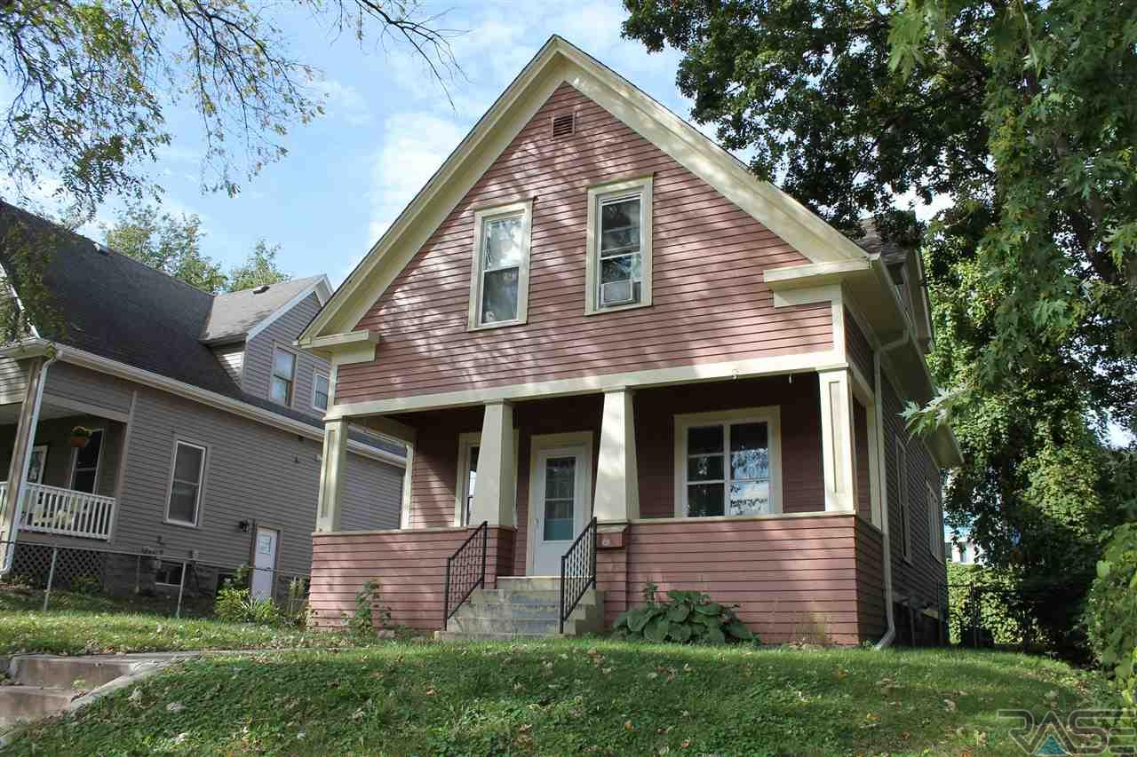 1019 S 1st St, SIOUX FALLS