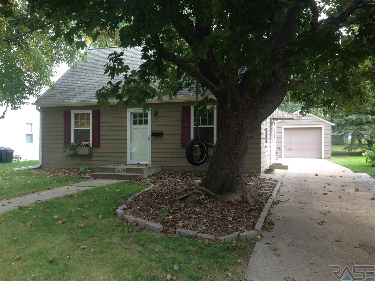 1204 S Willow Ave, SIOUX FALLS