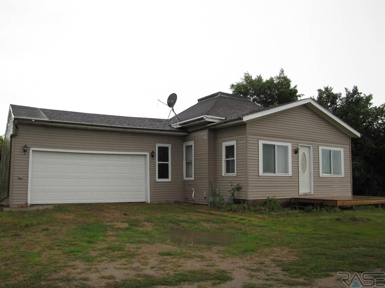 1402 85th St, Luverne, MN 56156