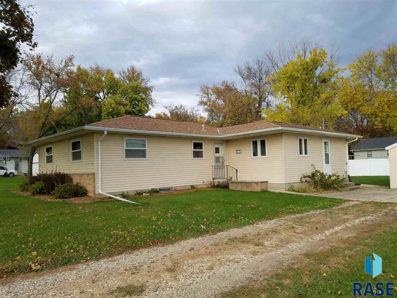 348 Terrace View Ave, Edgerton, MN 56128