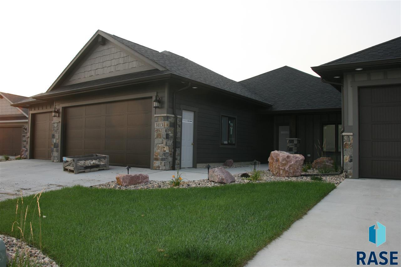 3113 W 77th St, Sioux Falls, SD 57108