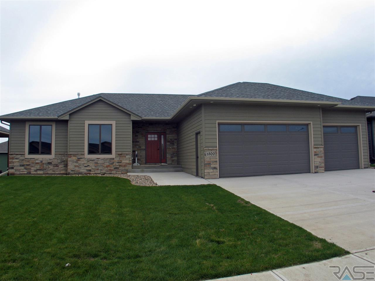 1300 South Wheatland Ave, Sioux Falls, SD 57106