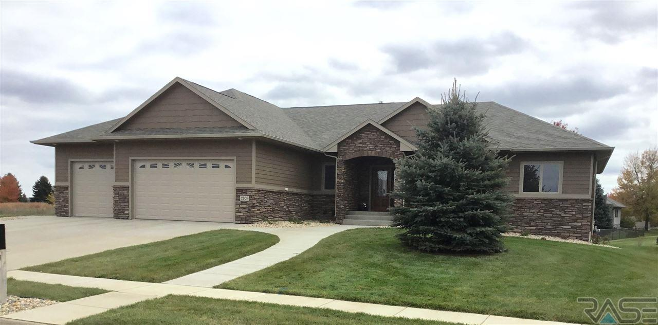2809 W Stratton St, Sioux Falls, SD 57108