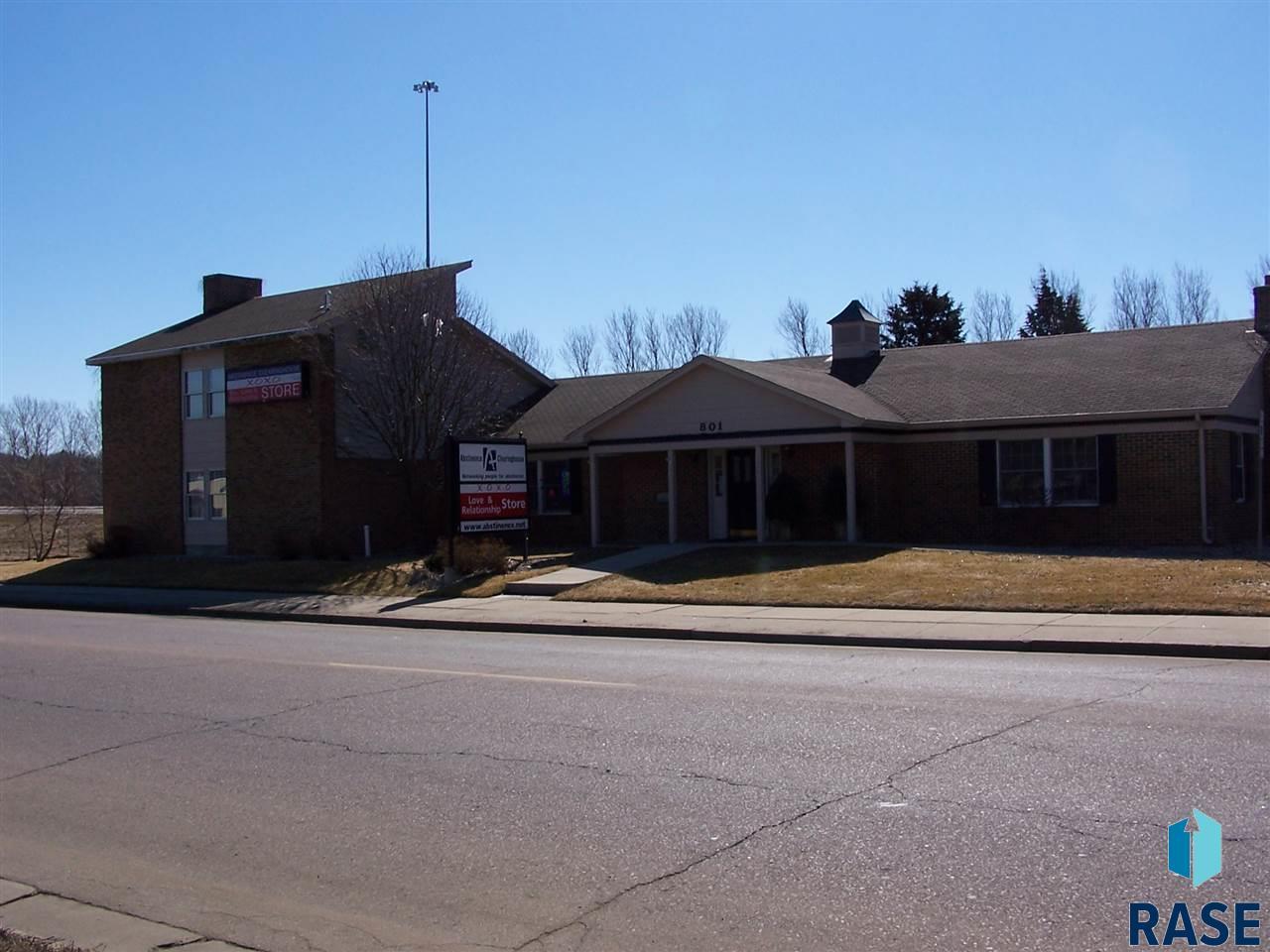 801 E 41st St, Sioux Falls, SD 57105