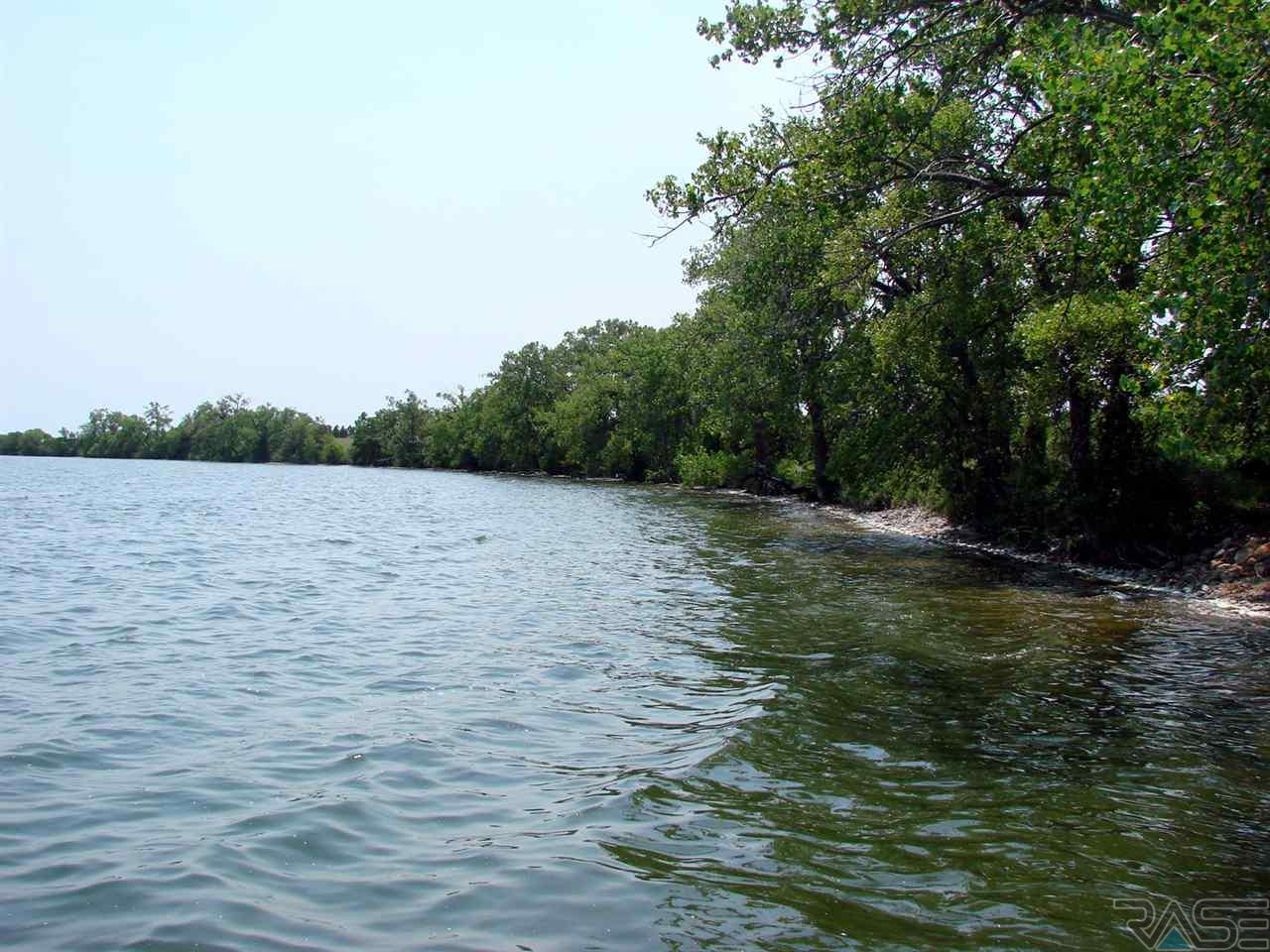 6 1 MarGi Park, Waubay, SD 57273