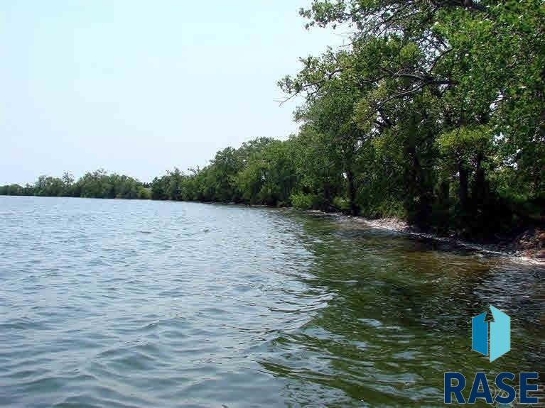 2 2 MarGi Park, Waubay, SD 57273