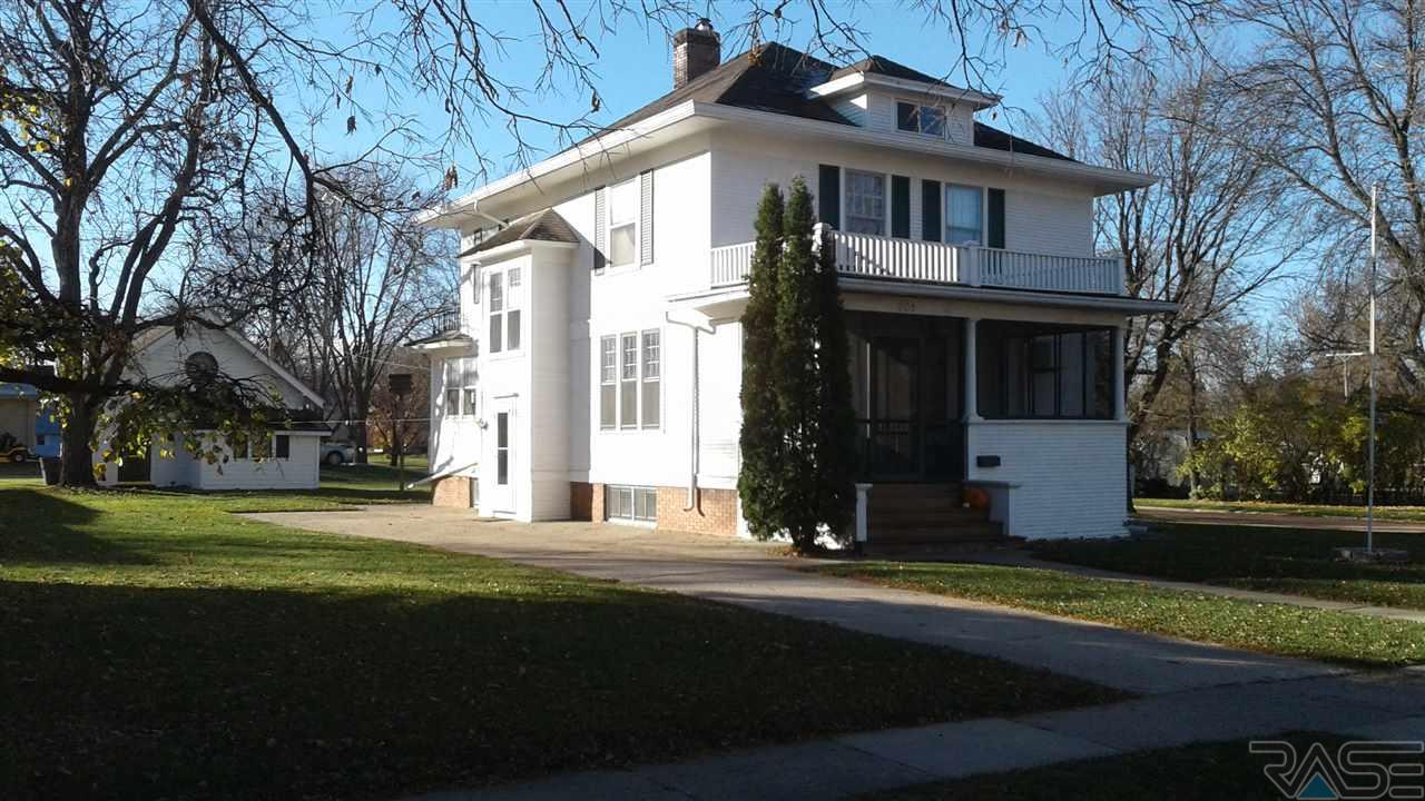 301 Park Ave, Flandreau, SD 57028