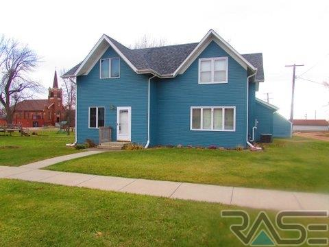 609 Canyon Ave, Garretson, SD 57030