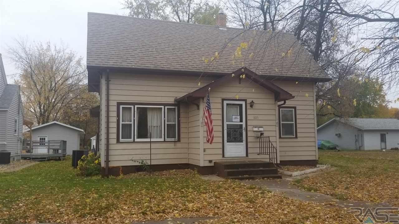 805 S 4th St, Milbank, SD 57252