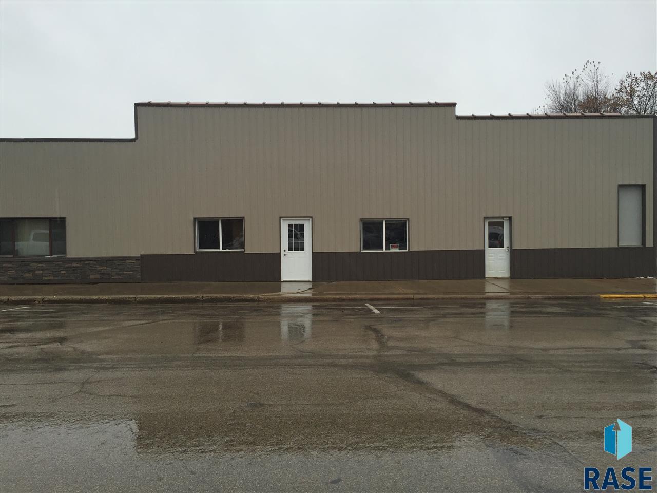 101 S McKenzie St, Luverne, MN 56156