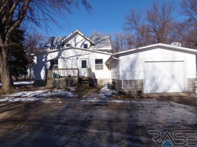 194 40th Ave, Hills, MN 56138