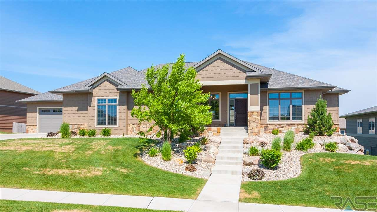 7405 S Ballymore Cir, Sioux Falls, SD 57108