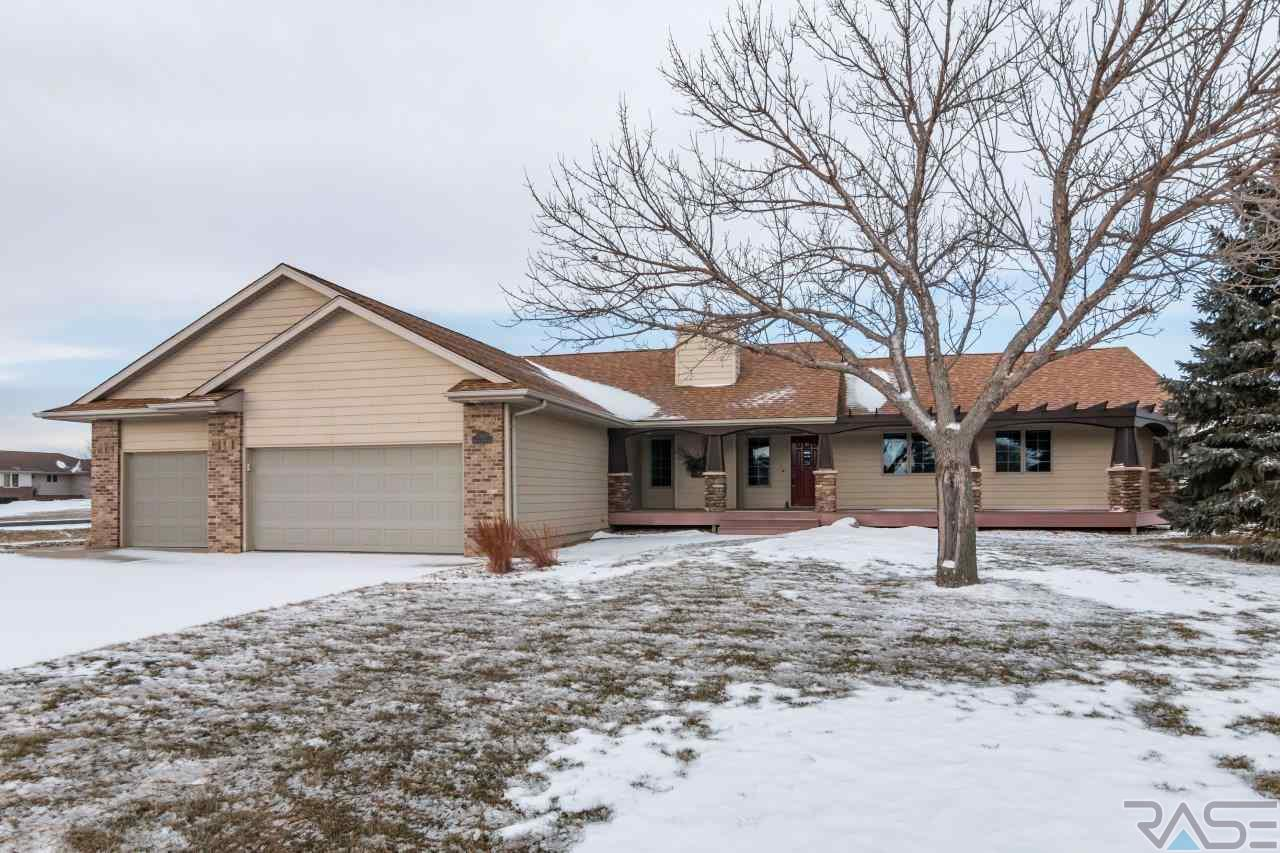 27121 Morning Glory Ave, Harrisburg, SD 57032