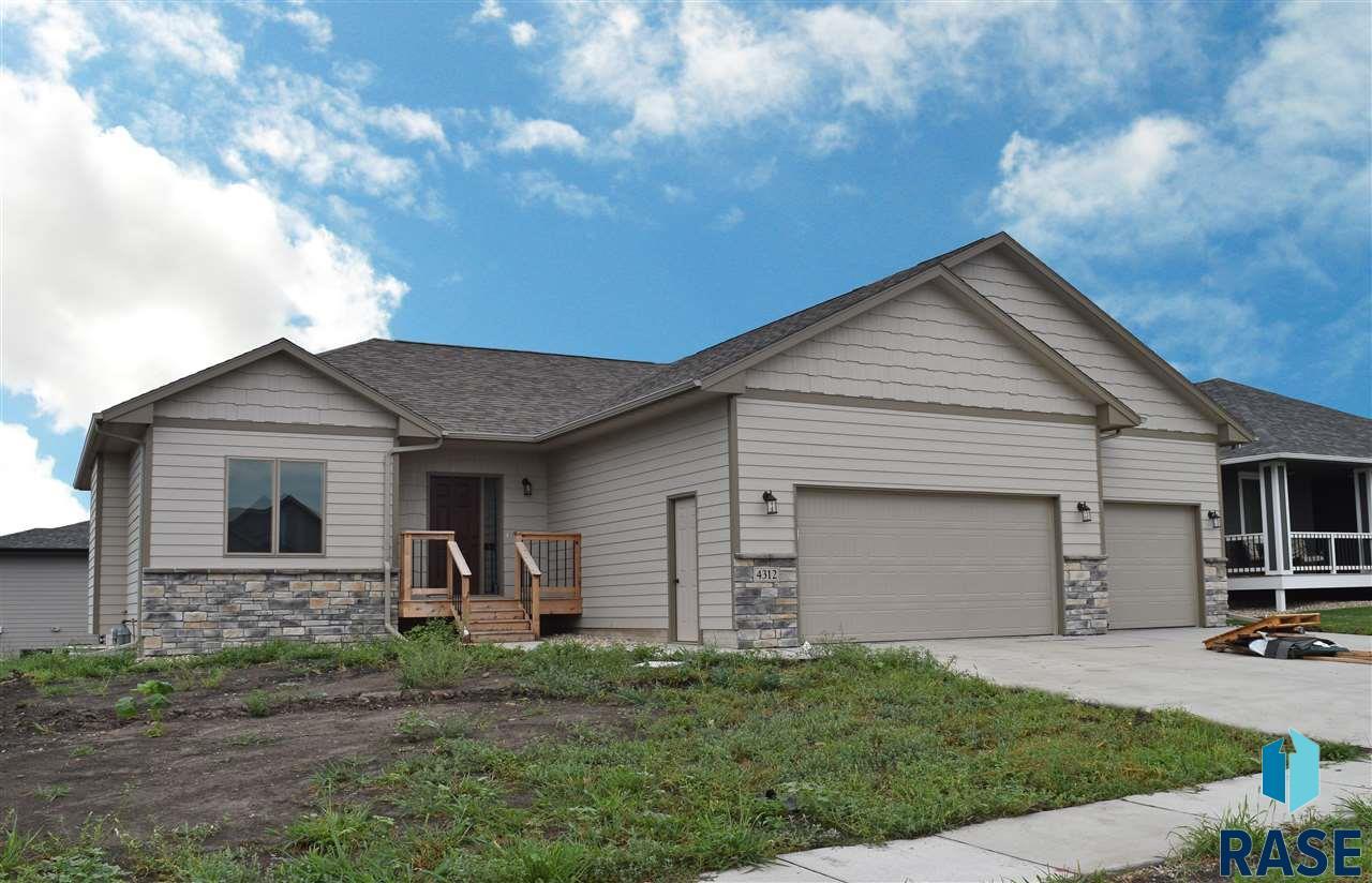 4312 W Mills St, Sioux Falls, SD 57108