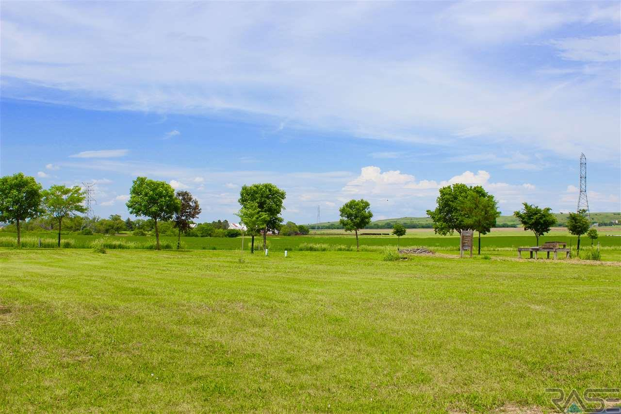 3 Backdraft Dr, Pickstown, SD 57367
