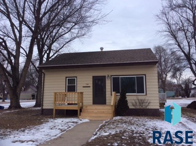 560 Garfield St, Centerville, SD 57014