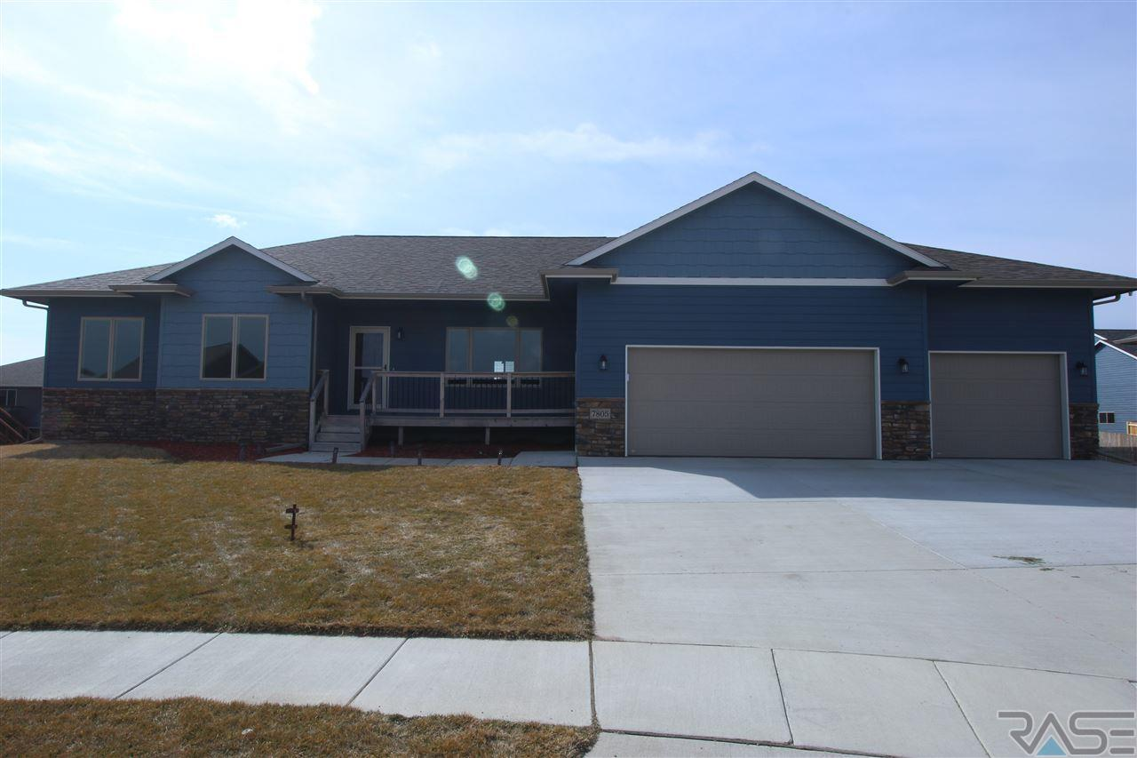 7805 W Zak Cir, Sioux Falls, SD 57106
