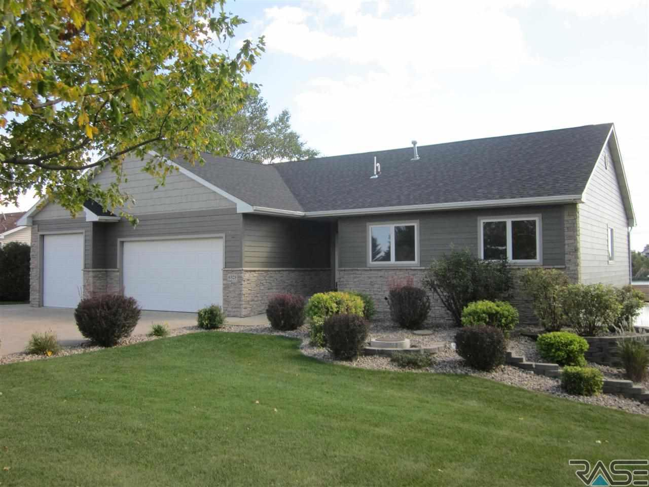 6328 Harbor Way, Wentworth, SD 57075