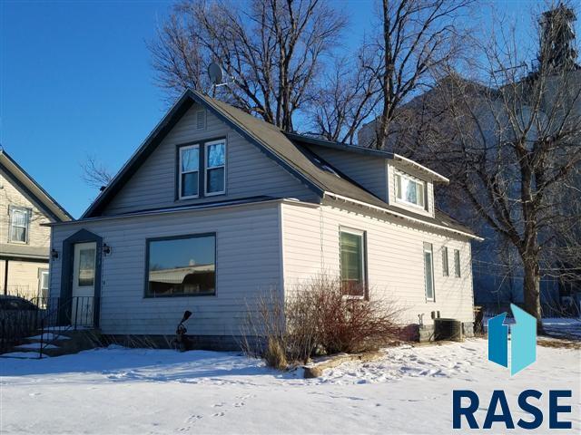 213 W 3rd St, Jasper, MN 56144