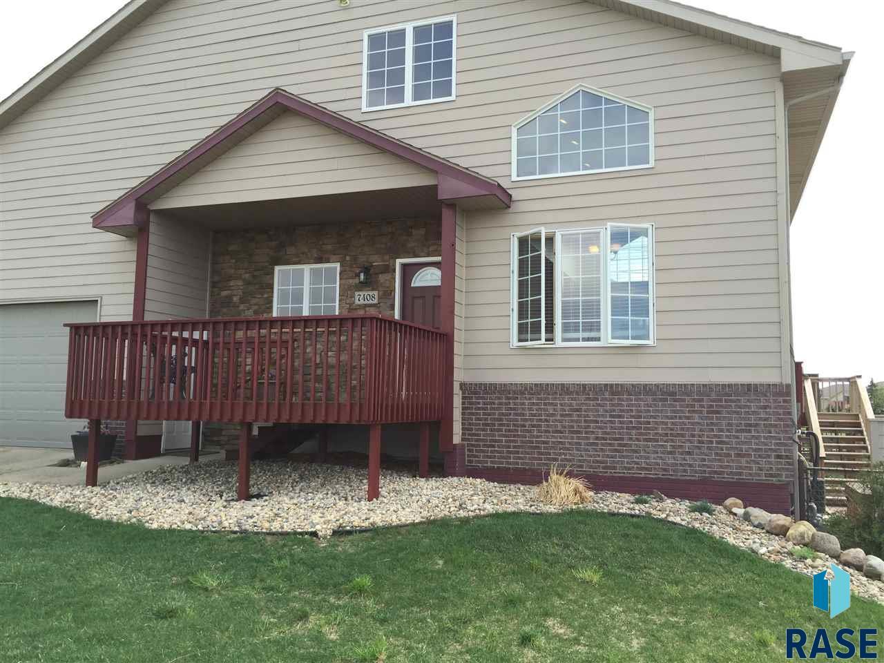 7408 S Hughes Ave, Sioux Falls, SD 57108