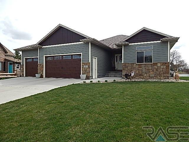 121 E Ponderosa Cir, Brandon, SD 57005