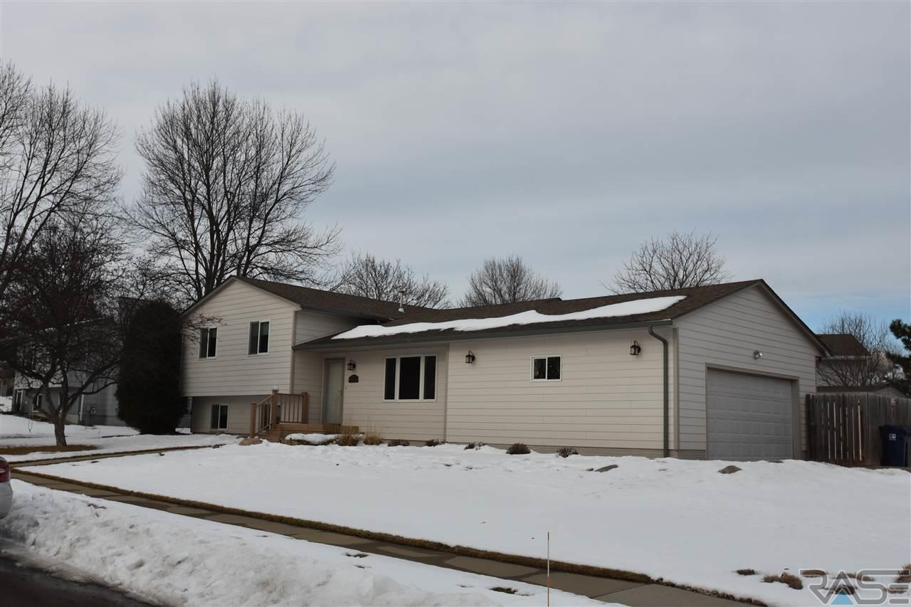2612 S Judy Ave, Sioux Falls, SD 57103