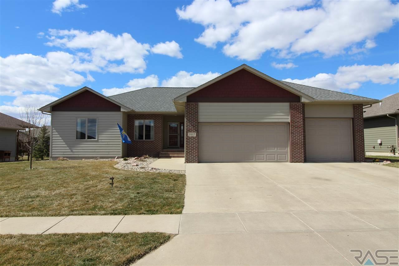 3517 S Harmony Dr, Sioux Falls, SD 57110