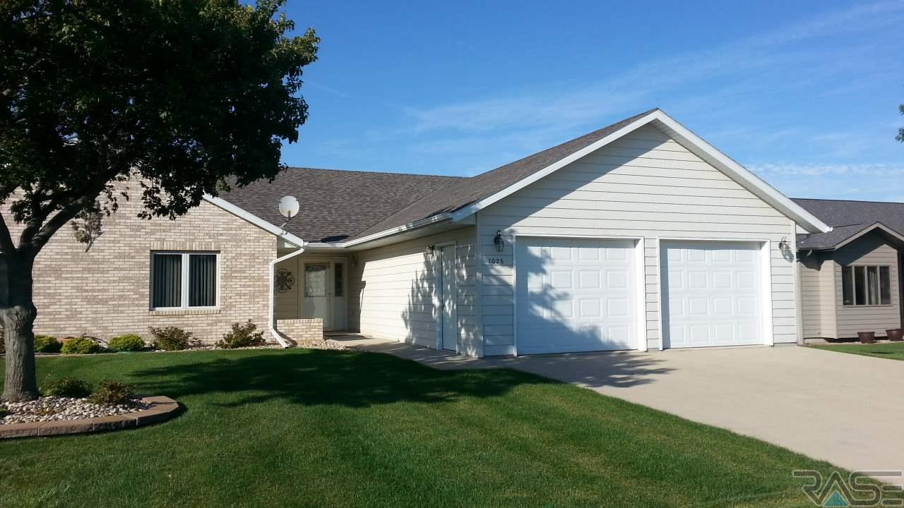1026 Clubhouse Ct, Dell Rapids, SD 57022