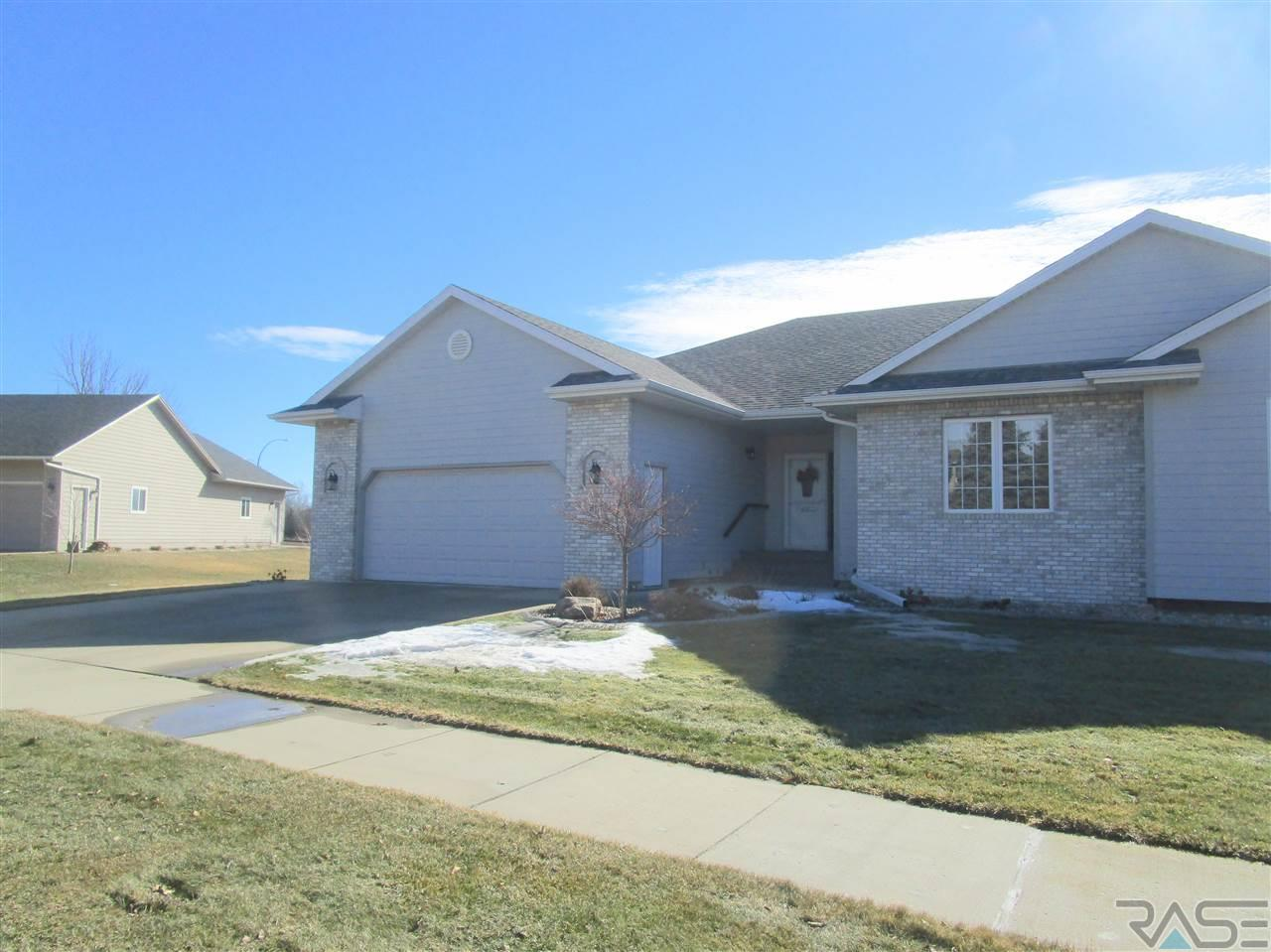 513 E Meadowlark Ct, Brandon, SD 57005