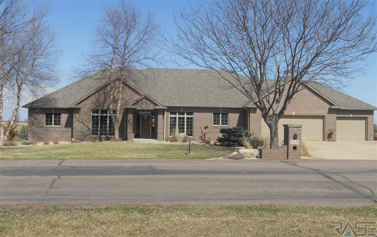47942 Copperwood Cir, Harrisburg, SD 57032