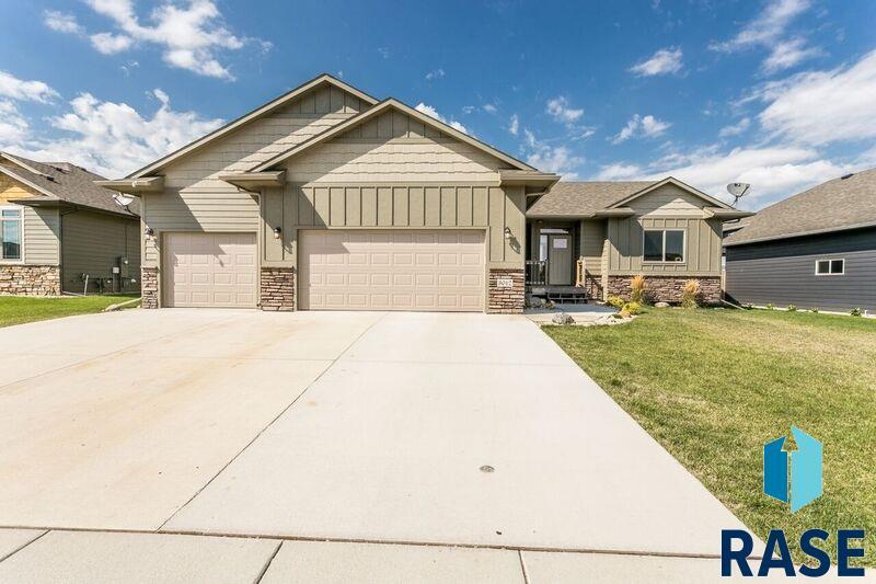 3012 W 90th St, Sioux Falls, SD 57108