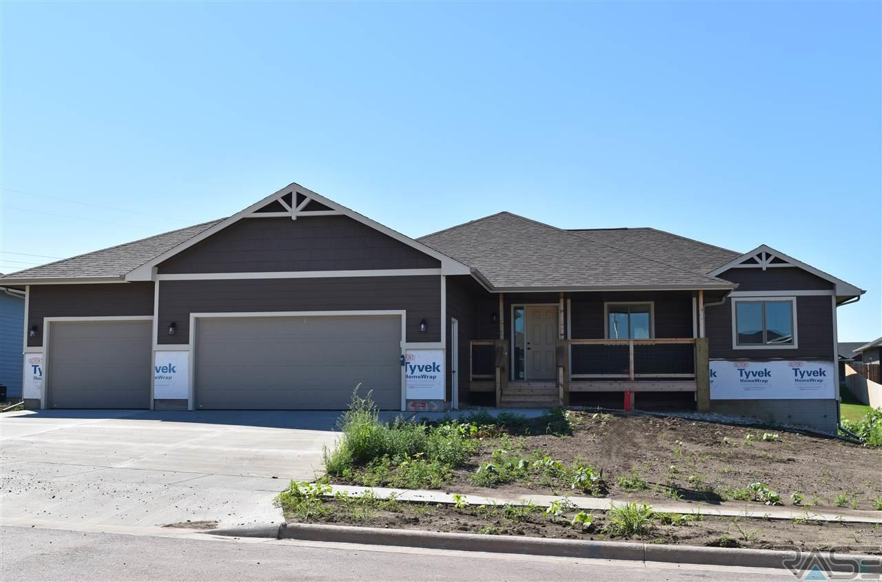 8213 E Willow Wood St, Sioux Falls, SD 57110