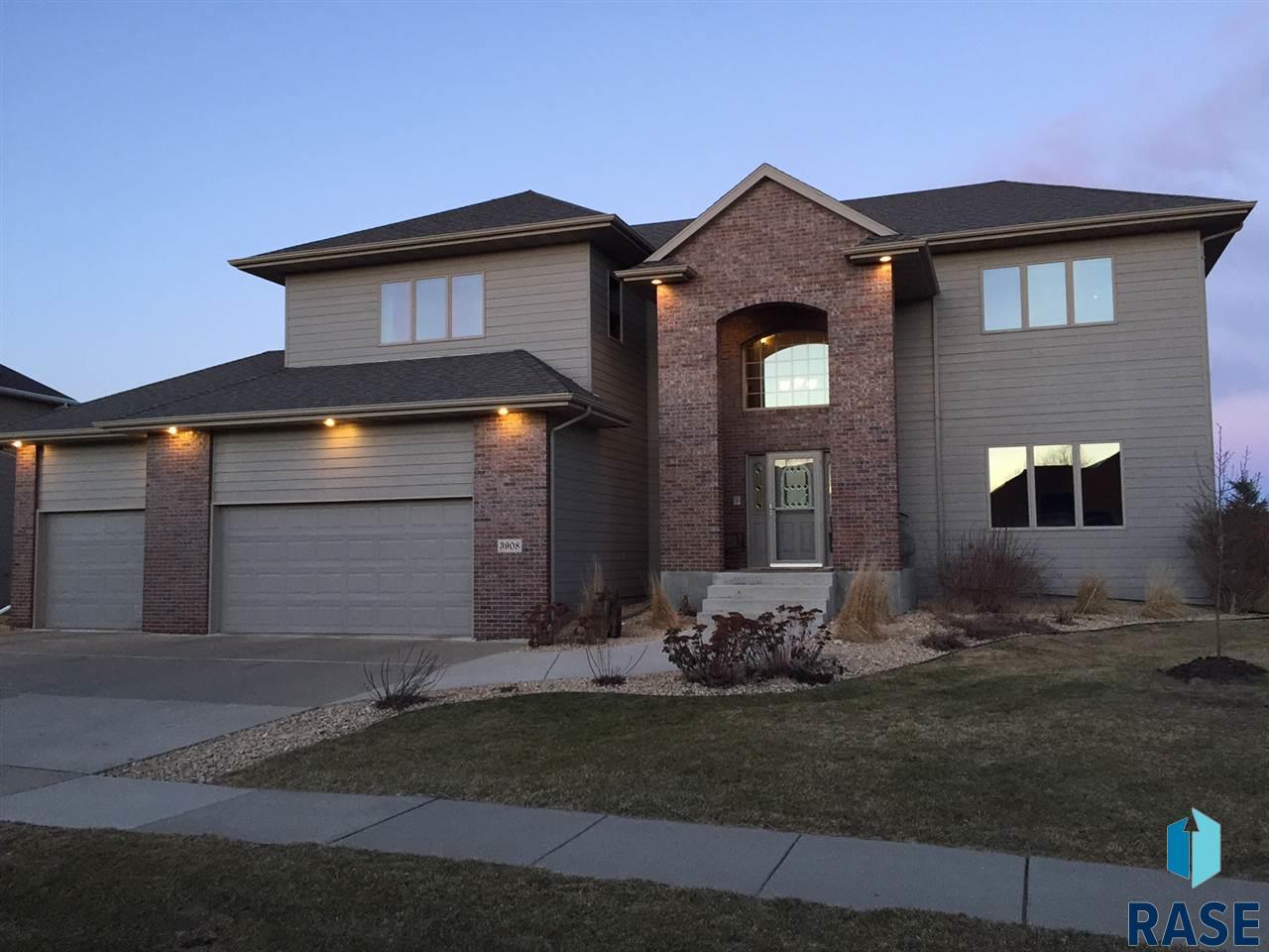 3908 S Pillsberry Ave, Sioux Falls, SD 57103