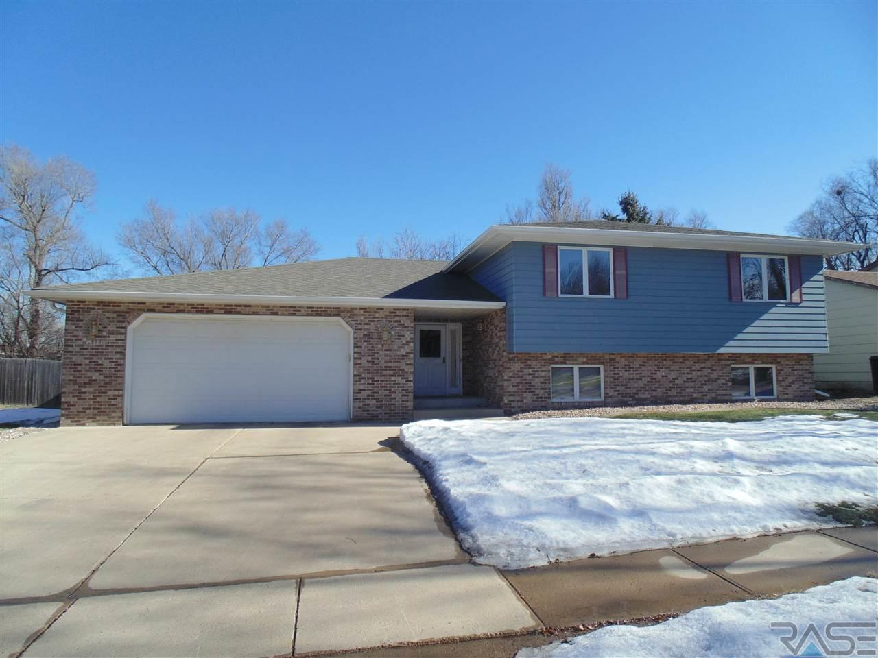 1208 N Lowell Ave, Sioux Falls, SD 57103