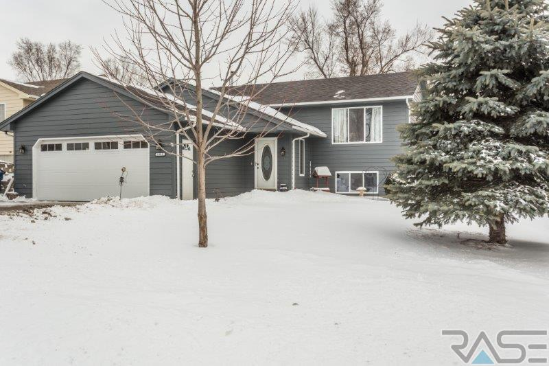 1309 E Old Hickory Pl, Sioux Falls, SD 57104