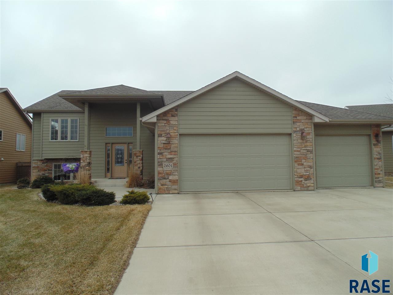 2601 E Kensington St, Sioux Falls, SD 57108