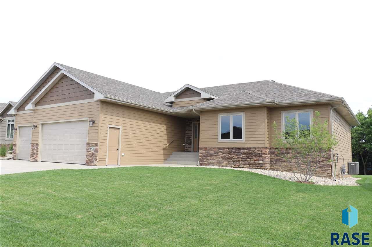 6904 E Archstone St, Sioux Falls, SD 57110