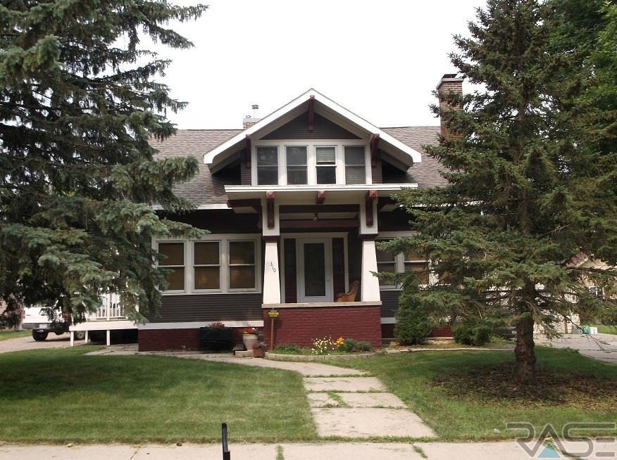 310 SW 3rd Ave, Pipestone, MN 56164
