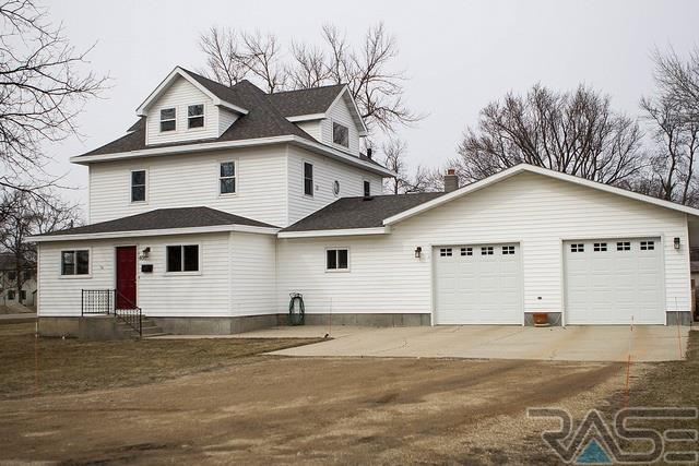 400 S 2nd St, Brandt, SD 57216