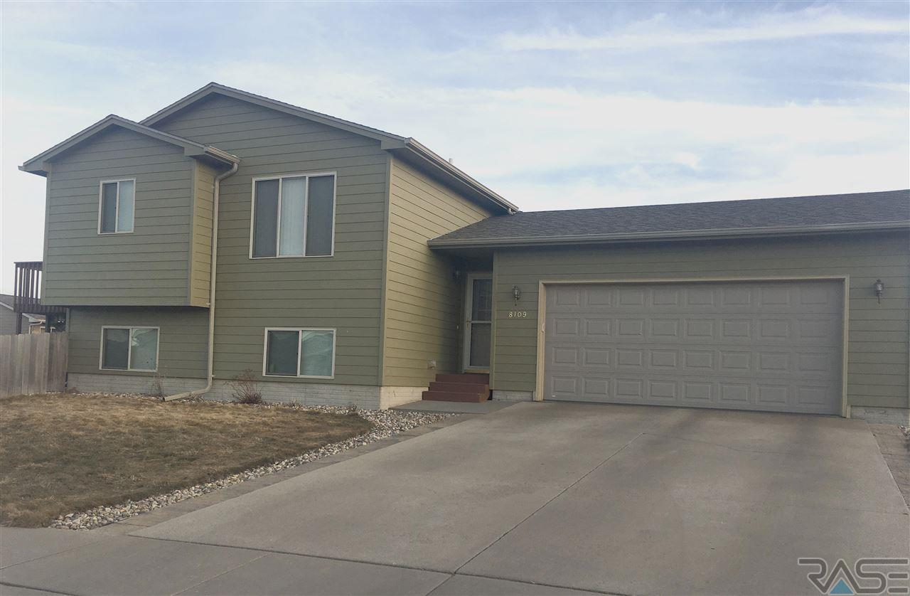 8109 W Kelsey St, Sioux Falls, SD 57106