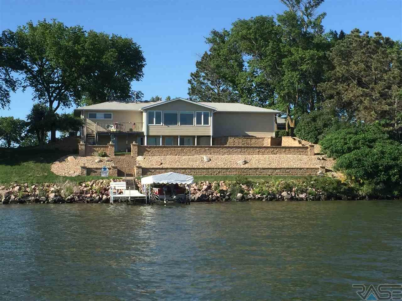6219 N Lakeside Dr, Madison, SD 57042