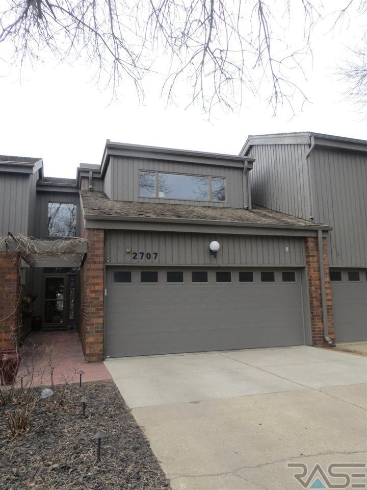 2707 S Ridgeview Way, Sioux Falls, SD 57105