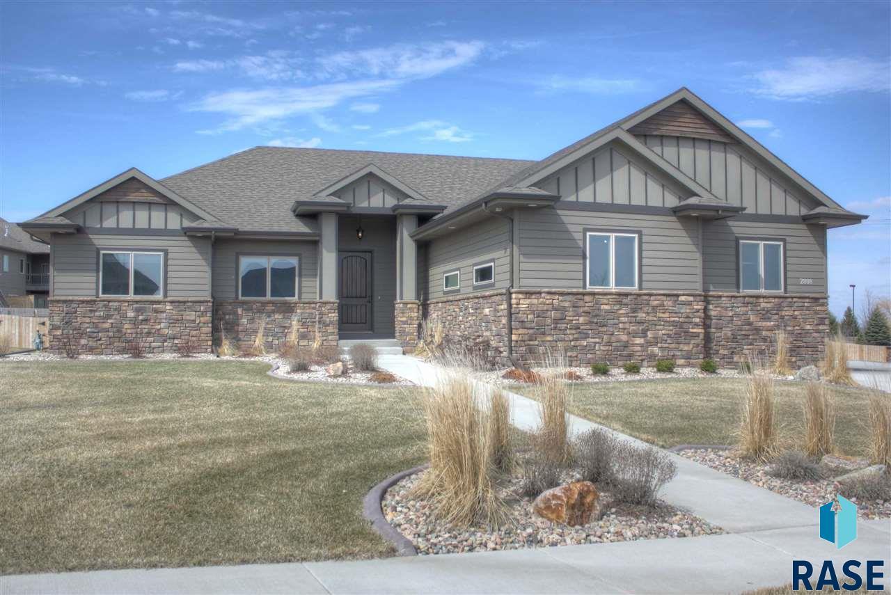 2808 W Leighton Cir, Sioux Falls, SD 57108