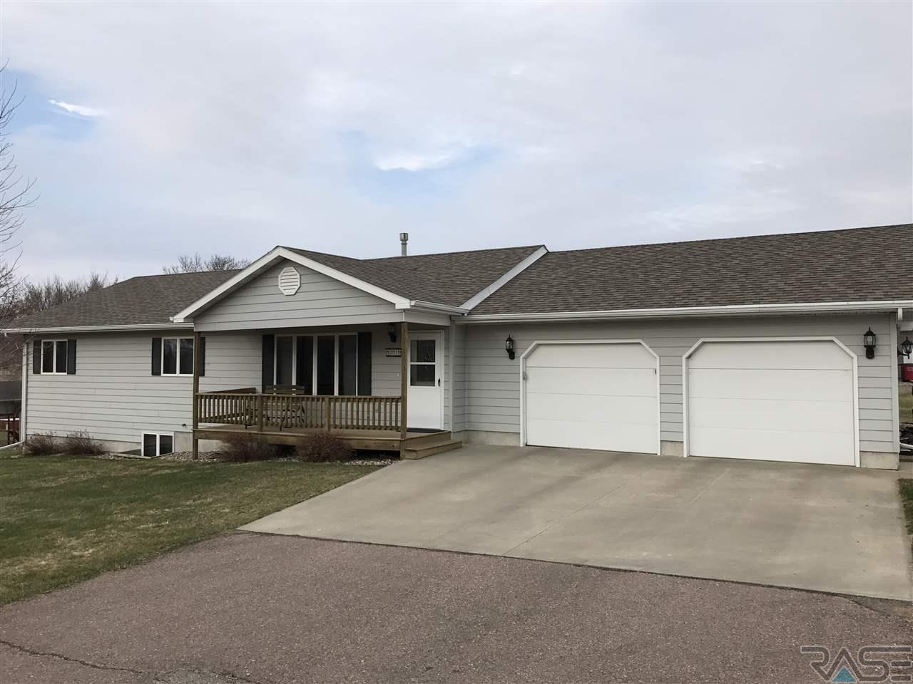 201 S Cook Ave, Montrose, SD 57048