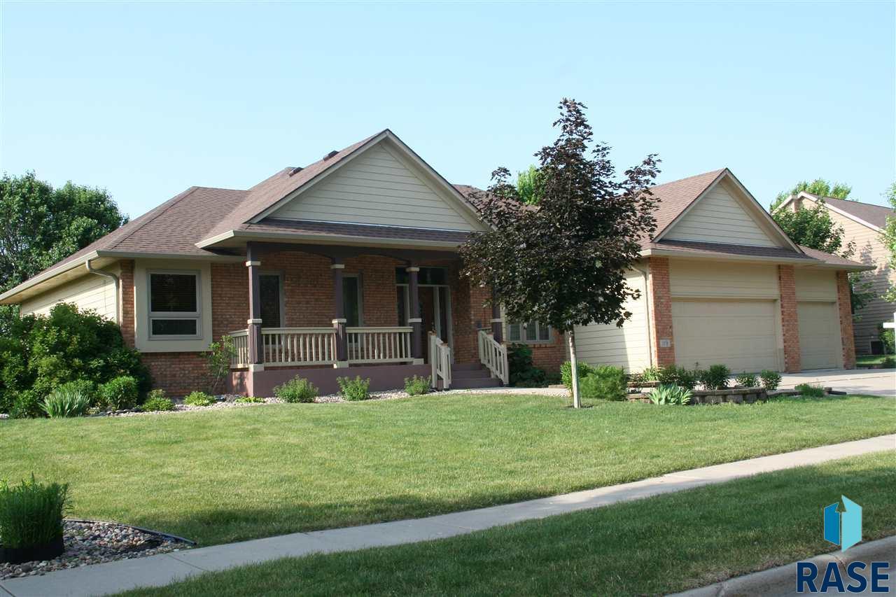119 W Carmel Ln, Sioux Falls, SD 57108