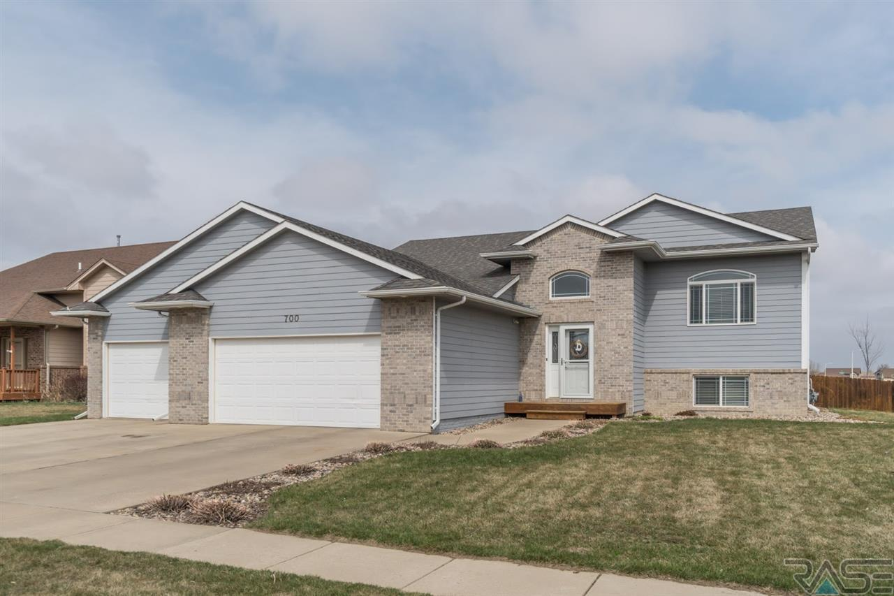 700 W 5th St, Tea, SD 57064