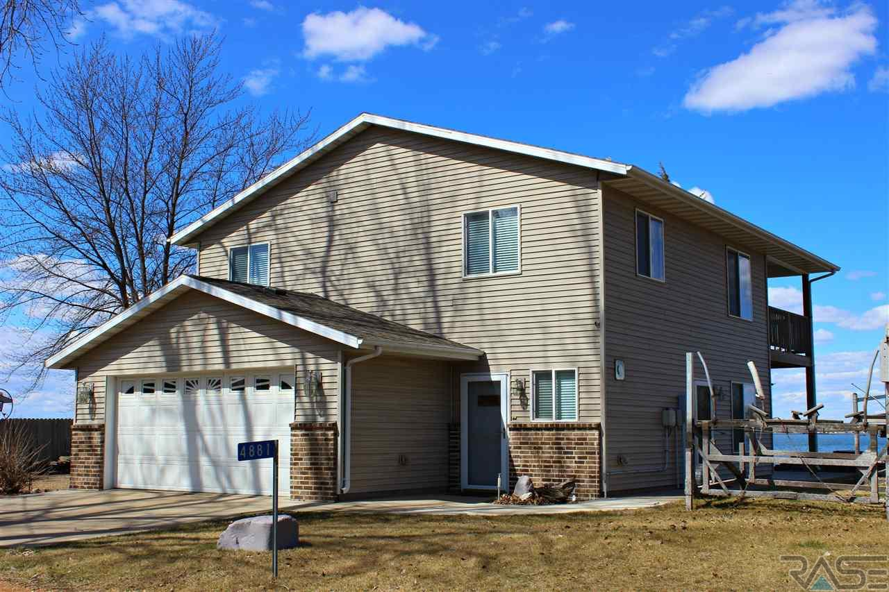 4881 N Spawn Cir, Chester, SD 57016